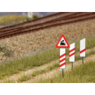 Set Verkehrsschilder Ankündigung Bahnübergang (Spur H0)